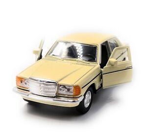 Mercedes-Benz-Classe-E-W123-Beige-Modele-Auto-Masstab-1-3-4-Licence