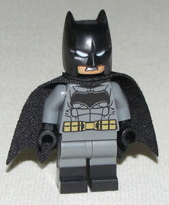 Lego-New-Batman-Dark-Bluish-Suit-Gold-Belt-Super-Hero-Minifigure-Figure