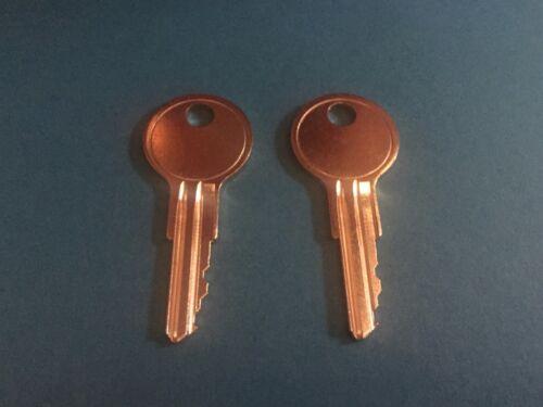 2 Trimark véhicules récréatifs Lock Keys code Coupe TM151 Thru TM200 Voyage Remorque camping-car key