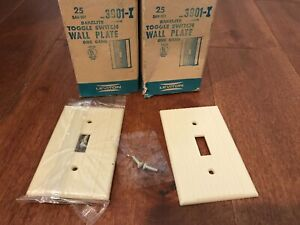 10 PACK LEVITON 1  GANG TOGGLE SWITCH WALL PLATE BAKELITE RIBBED IVORY VTG NOS