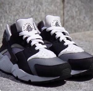 Image is loading Nike,Air,Huarache,039,OREO,039,Limited,Edition,