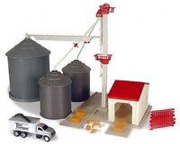 Ertl 12924 GRAIN FEED SET Farm Playset Silos Elevator Truck 1 64 S Scale New i