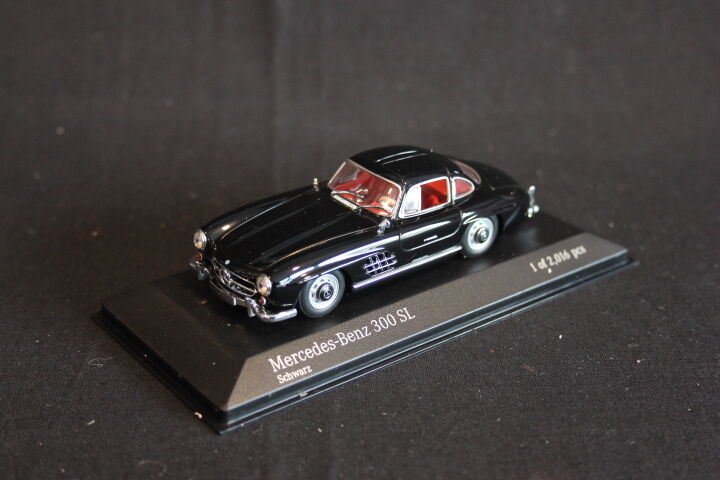 Minichamps Mercedes-Benz 300 SL Coupé 1955 1 43 black (JS)