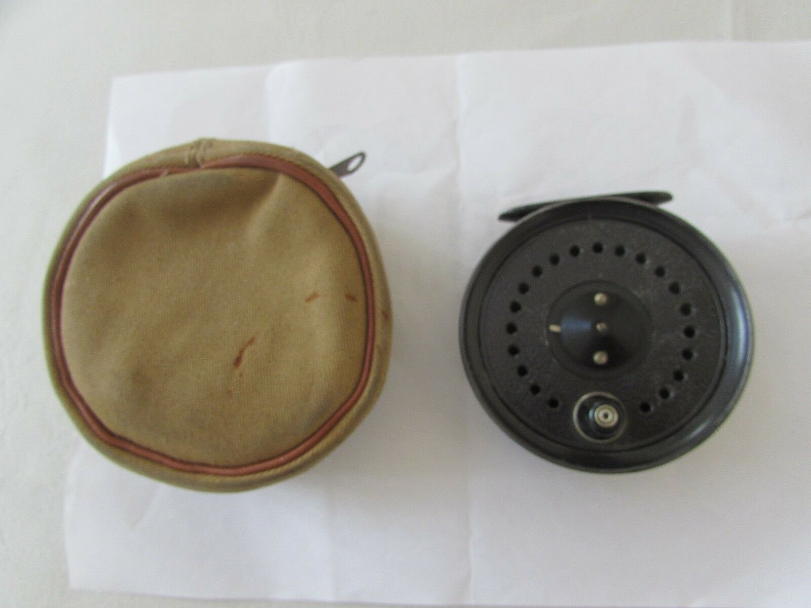 Good vintage youngs early beaudex trout Fliegen fishing reel 3.5  & lineguard & case