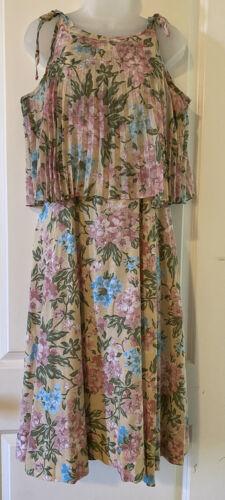 1970s Vintage Floral Pastel Flowing Dress Boho