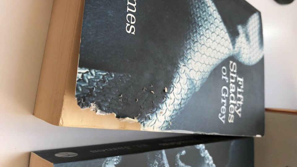 The Fifty Shades Trilogy , E L James, anden bog