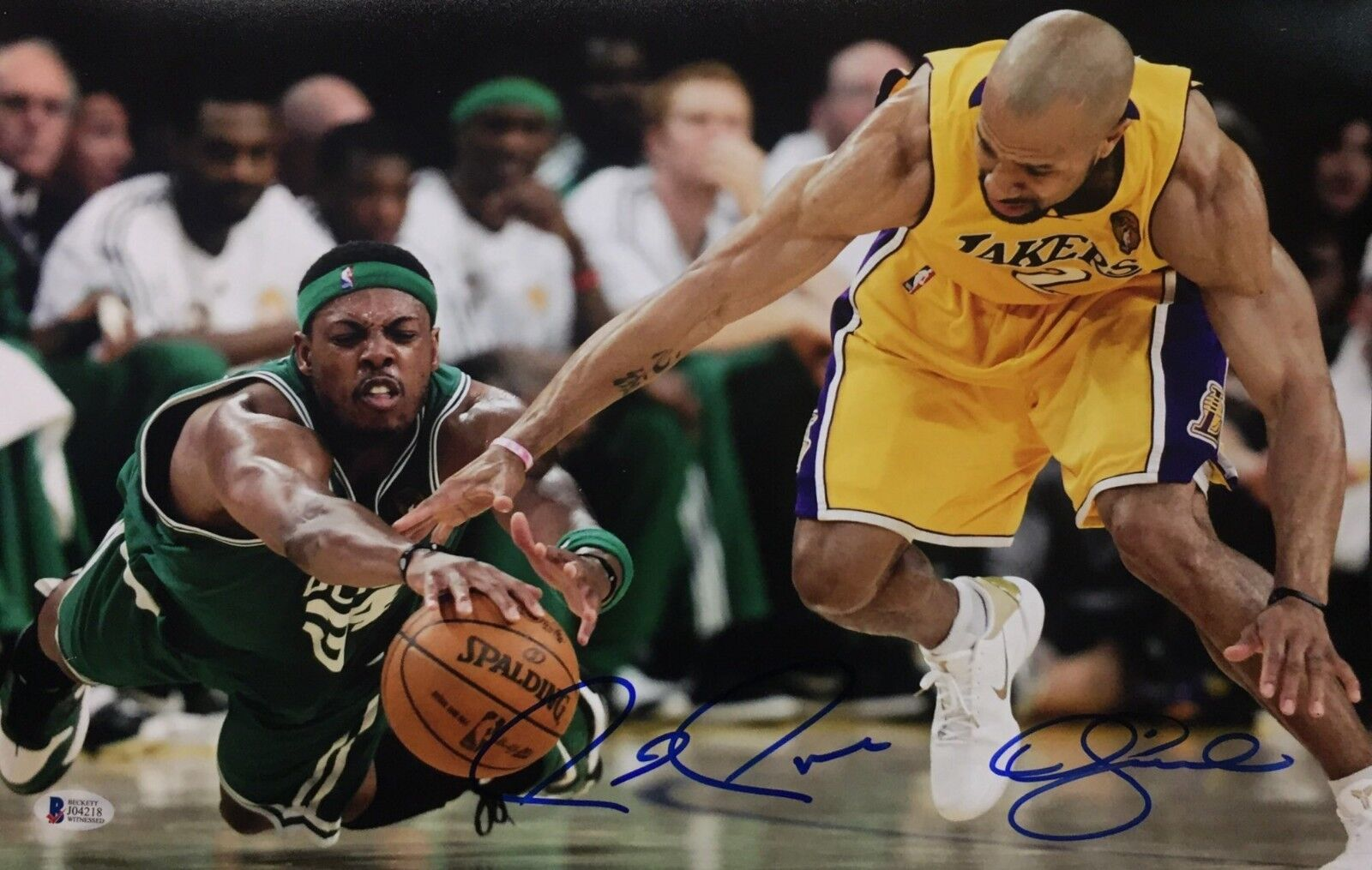 Paul Pierce & Derek Fisher Signed 11x17 Basketball Photo *Lakers/Celtics Beckett