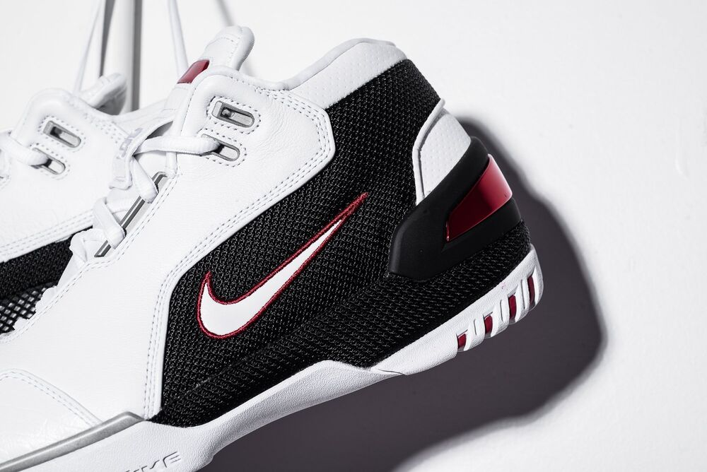 Nike LeBron James Air Zoom Generation AZG FIRST GAME blanc rouge AJ4204-101  Chaussures de sport pour hommes et femmes