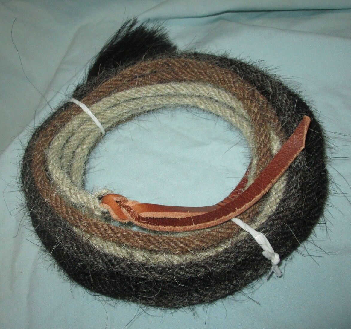 Mane Horse Hair Mecate 22 ft long  1  4  dia.  Pattern V -- Changing colors  ultra-low prices