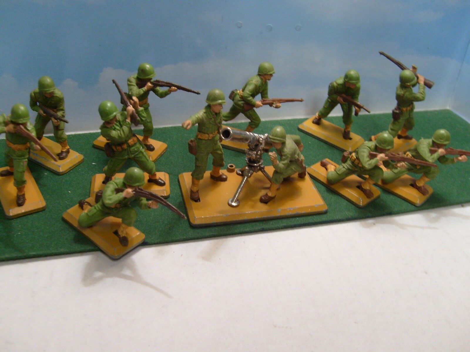 BRITAINS DEETAIL 1 32  10 US SOLDIERS & MORTAR LOT braun BASES VGC