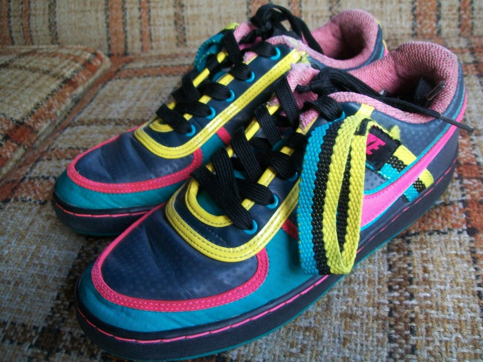 Nike Womens Size Size Size 9 () Multicolor Skate Shoes (2009) 366409-061 fea332