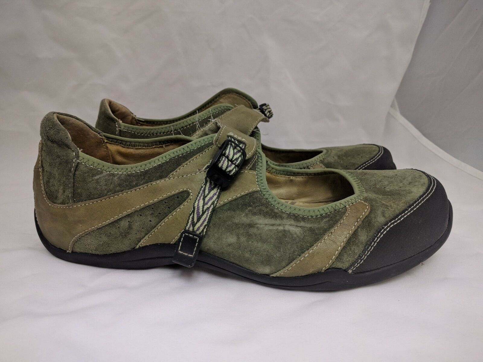 Ahnu Green Suede Mary Jane Style Hiking  Chaussures  femmes