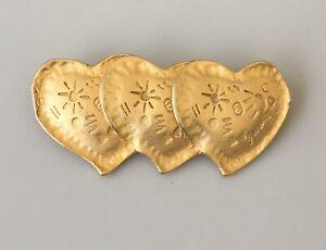 Vintage-heart-brooch-in-gold-tone-metal