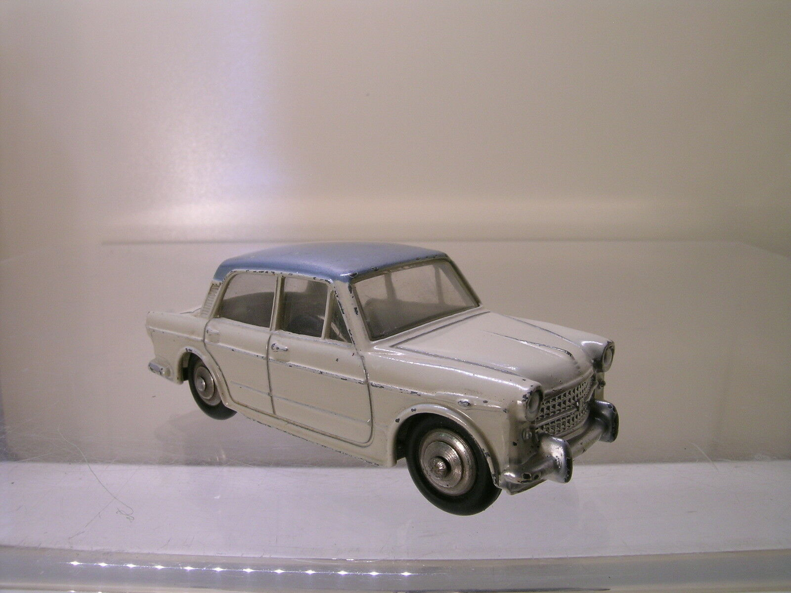 DINKY TOYS F 531 FIAT 1200 GRANDE VUE CREAM BODY-METALLIC azul ROOF 1959 1 43