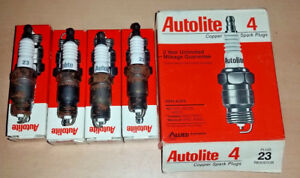 NEW-Made-in-USA-NOS-Set-of-4-pack-Autolite-23-Resistor-Spark-Plug-RV9YC-UR5