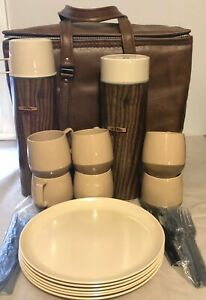 Vintage-Thermos-Picnic-Set-W-Zippered-Carry-Case-Dinex-Mugs-USA-EUC-NICE-SET