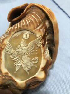Stunning-Fine-Victorian-Grand-Tour-Angel-And-Child-Carved-Conch-Shell-Cameo