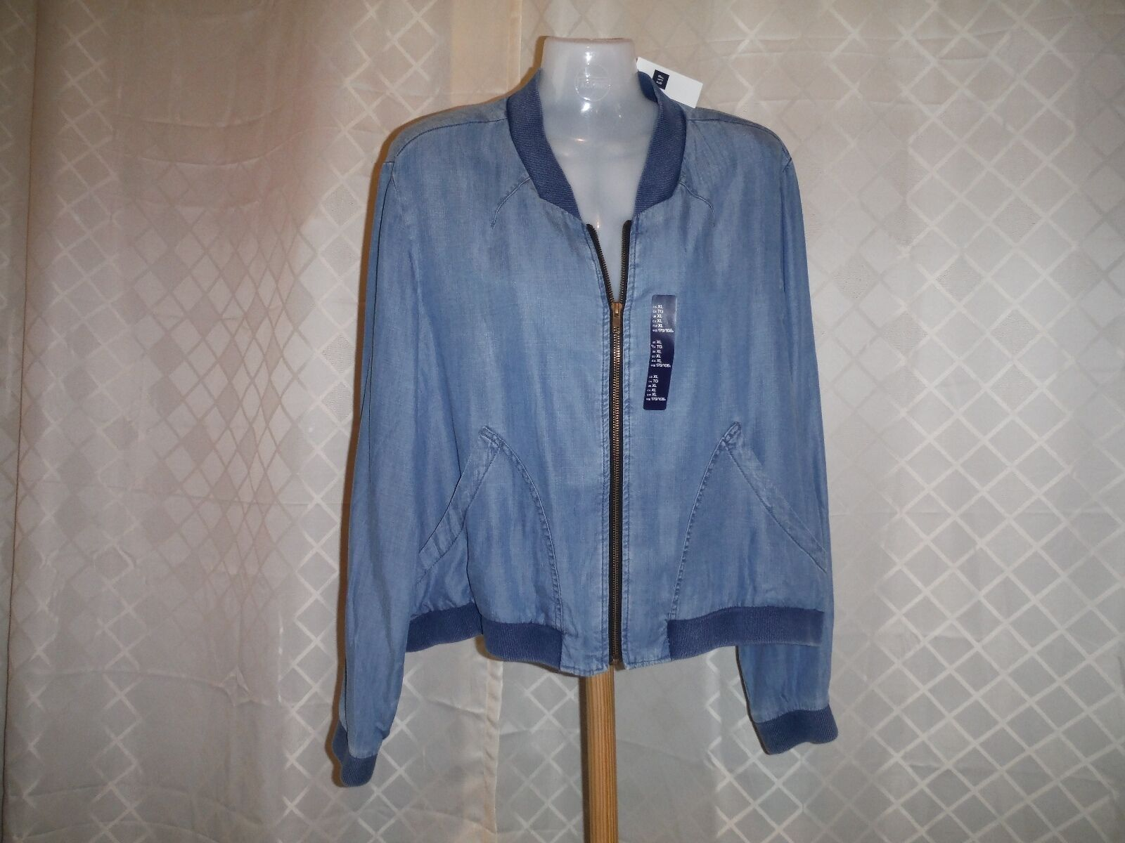 Long Sleeve Full Zip Jacket GAP size ,MD, color Med Indigo Blue 100% Lyocell NWT