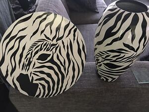 ZEBRA-Display-Plate-And-Vase-Marta-Mikey-Retails-Over-200-Set-Unwanted-Gift