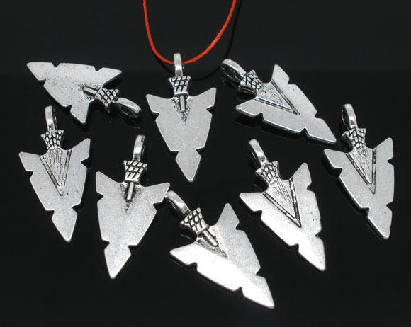 Wholesale10Pcs Tibetan Silver 35x27x6mm Triangle Celtic Knot Charms Pendants