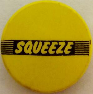 SQUEEZE-Old-OG-Vtg-70-80-s-Button-Pin-Badge-25mm-New-Wave-Punk