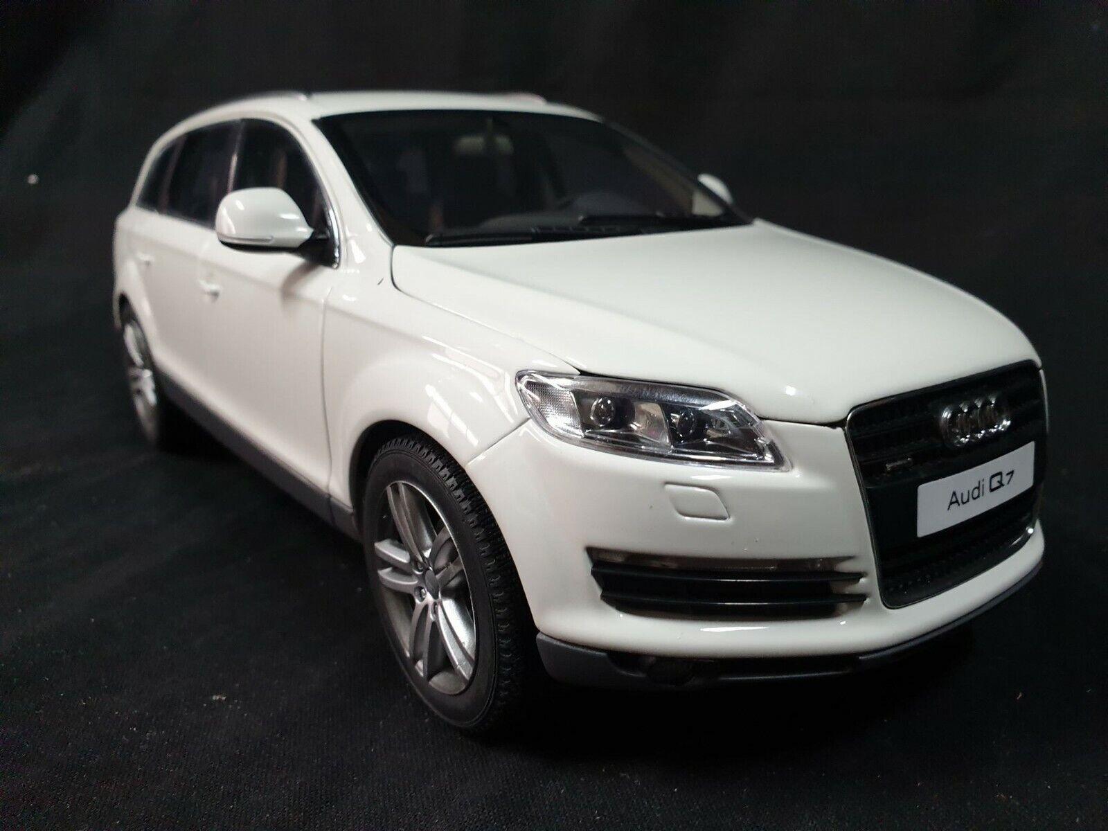 AUDI - Q7 V8 4.2 FSI 4X4 2006 WHITE 09221W KYOSHO 1 18