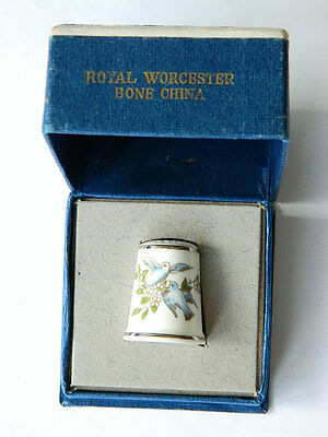 Vintage PORCELAIN THIMBLE Royal Worcester Bone China w/ Orig.Box