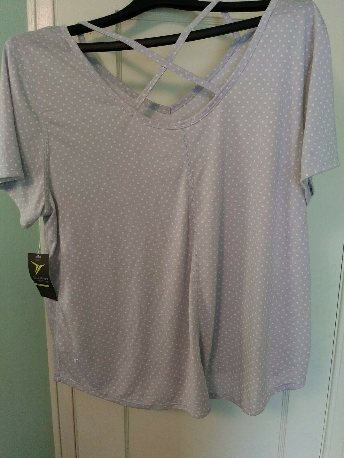 Old Navy Active Go-Dry Womens Size XXL Gray short sleeve Activewear Shirt NWT