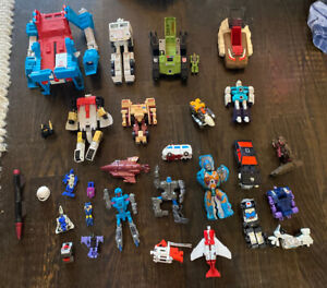 LOT OF 20+ 💥🤖 Vintage 1980s G1 TRANSFORMERS Action Figure