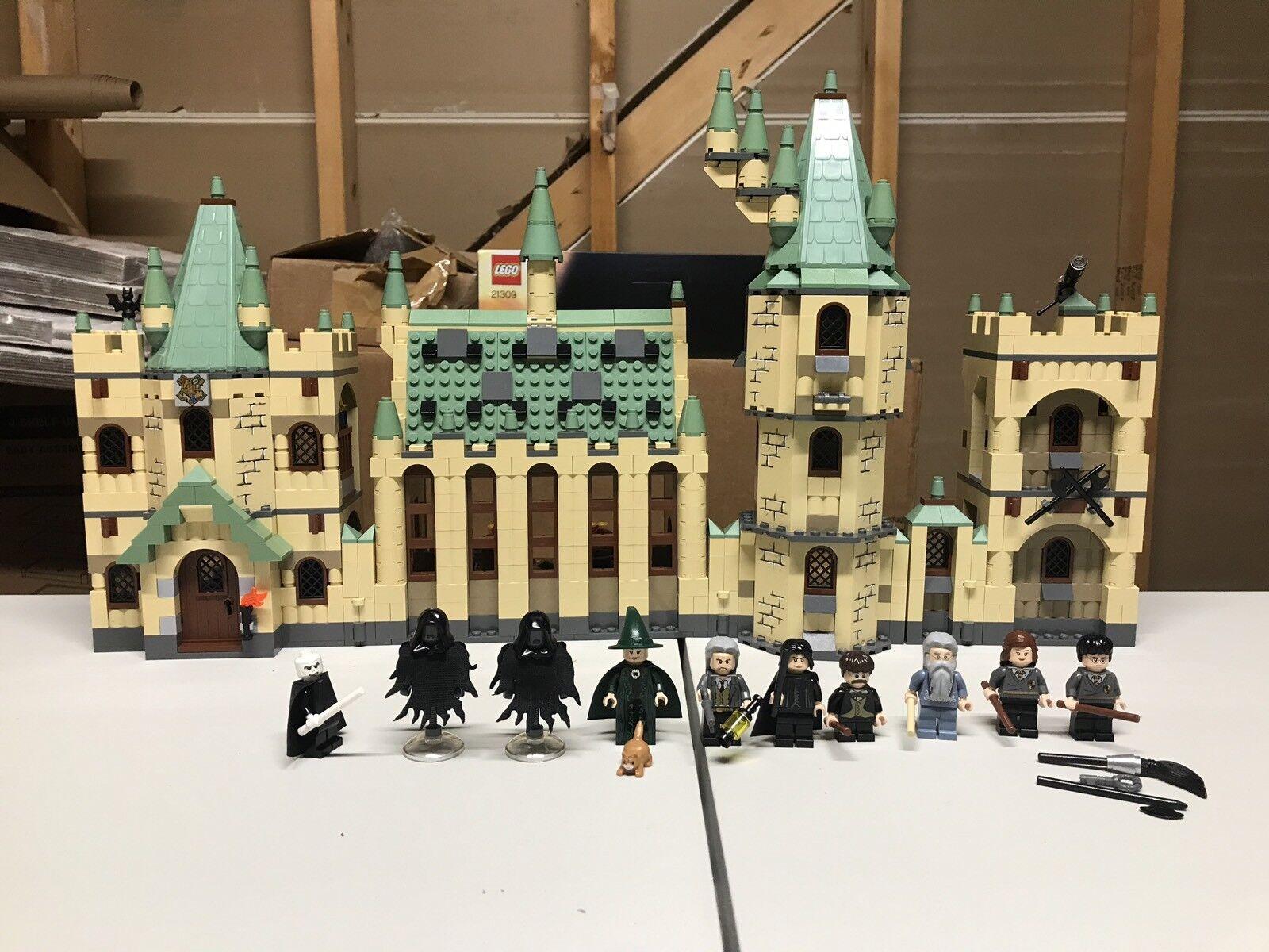 qualità ufficiale LEGO Harry Potter Hogwarts Castle 4842 4842 4842 Retirosso  qualità di prima classe