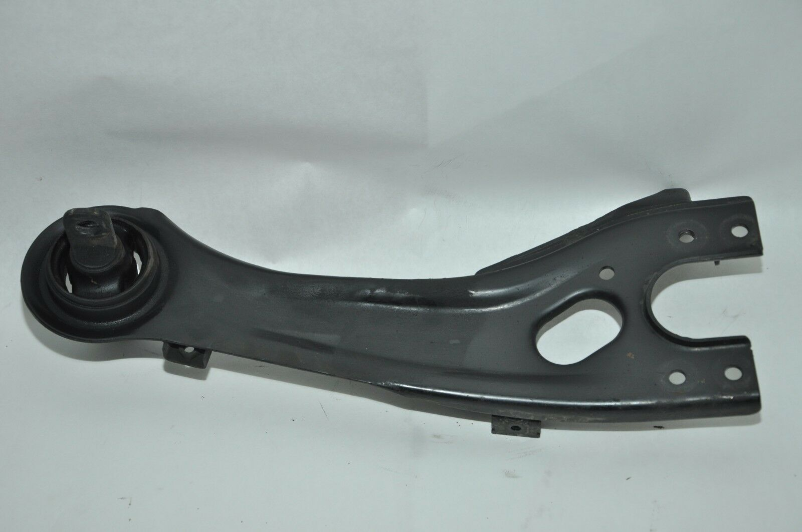 Kia 55270-2G000 Suspension Control Arm
