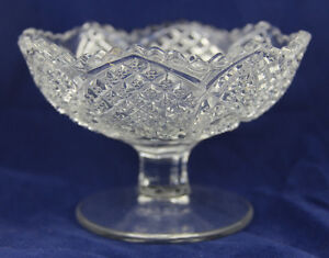Vintage-Glass-Compote-Pedestal-Footed-Bowl-Nut-or-Candy-Dish