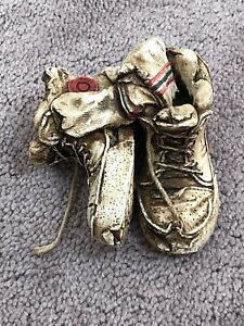 S-S-SARNA-COLLECTIBLE-FIGURE-4-25-RESIN-USED-amp-DIRTY-SNEAKERS-SOCKS