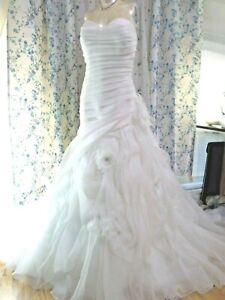 Casablanca-Bridal-Wedding-Dress-Size-18-Style-2105-IVORY-Silver-Feather-Flowers