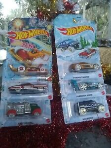 Near Mint Hot Wheels 2020 Christmas Holiday Cars Set of 6 with 2021 Carbonator