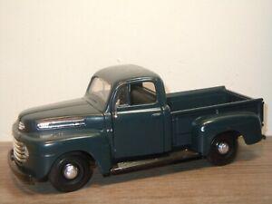 1948-Ford-F1-Pick-Up-Maisto-1-25-36782