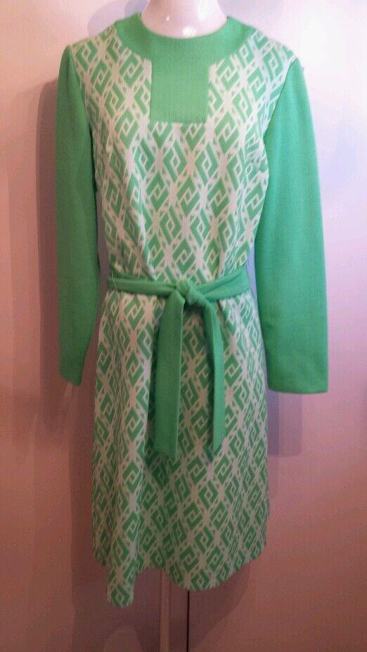 Vintage Marta D long sleeve light green  cream dress with belt bust 42 waist 38