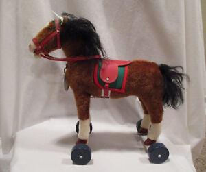 Steiff-Club-Horse-on-Wheels-EAN-420146-with-Box-and-COA