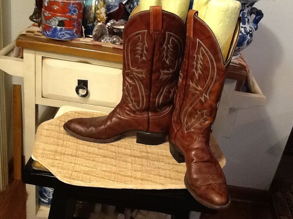 Men's Tony Lama Western Cowboy Boots  Brown Leather 8.5 B narrow Made in USA