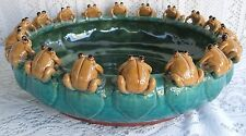 * VINTAGE MAJOLICA STYLE ART POTTERY 18 FROGS ON LILY PAD BOWL/BAMBOO PLANTER *