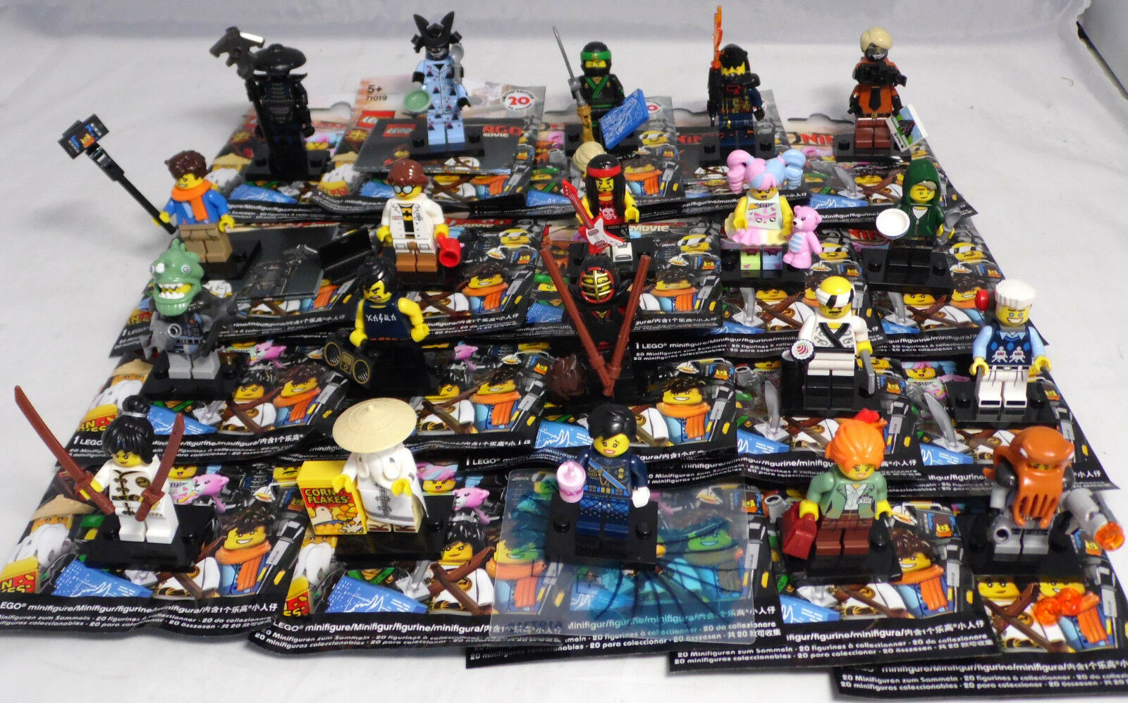 Lego 71019 Ninjago Movie, 1 completo conjunto de = 20 minifiguras + DISJugar nuevo New