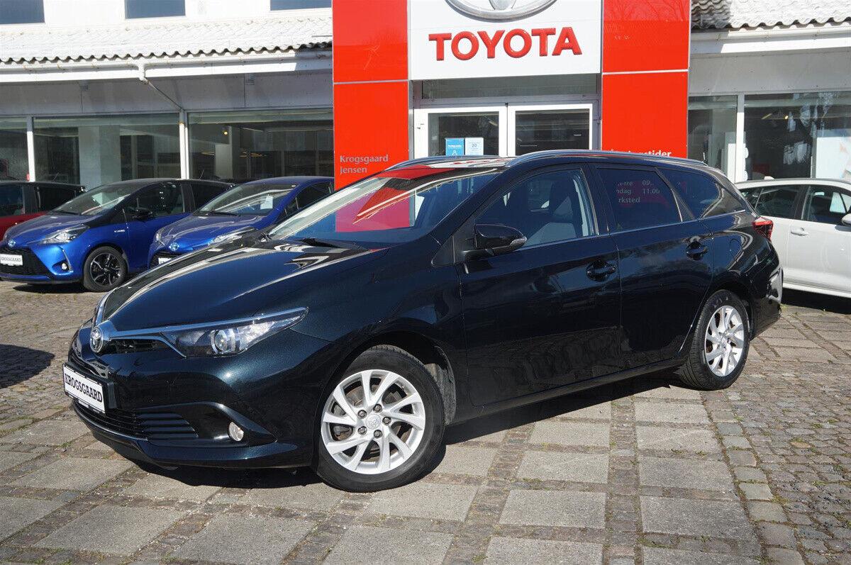 Toyota Auris 1,2 T T2 Comfort Touring Sports 5d - 174.900 kr.