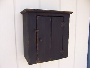 PRIMITIVE-SMALL-WALL-HANGING-CABINET-CUPBOARD-PAINTED-COUNTRY-FARMHOUSE-RUSTIC