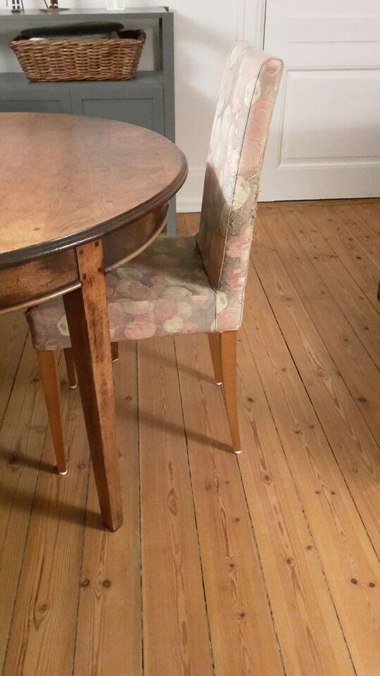 Spisebordsstol, Ben i kirsebærtræ, polstret sæde og ryg