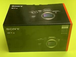 Sony-A7R-IV-35mm-Full-Frame-Camera-with-61-0MP-x-Black-Body-Only-ILCE-7RM4-RIV