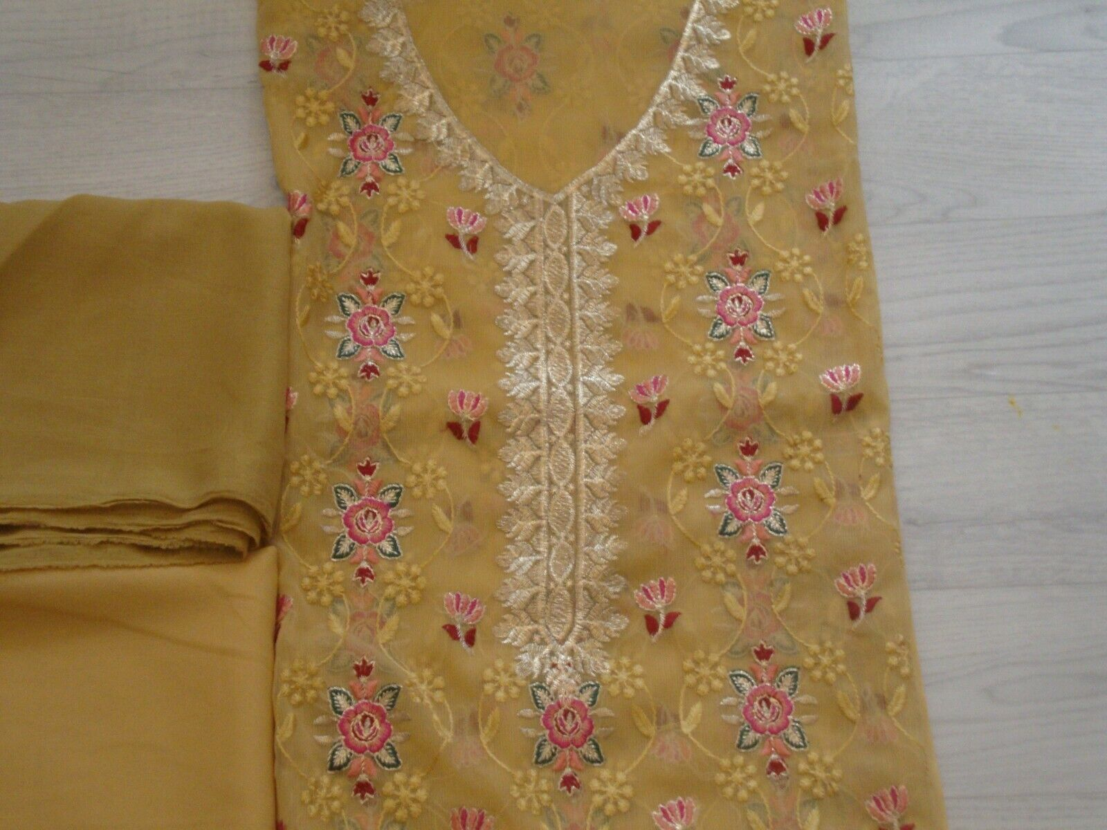 chiffon Embroidered unstitched salwar kameez party wear 4pc new for EID 2021