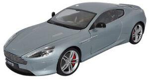 Aston-MARTIN-DB9-Modello-Diecast-Auto-18045-wsilver