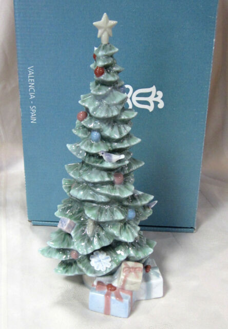 LLADRO O CHRISTMAS TREE #8220 BRAND NEW IN BOX GREEN HOLIDAY X-MAS SAVE - Lladro O Christmas Tree Porcelain Sculpture Made In Spain Model