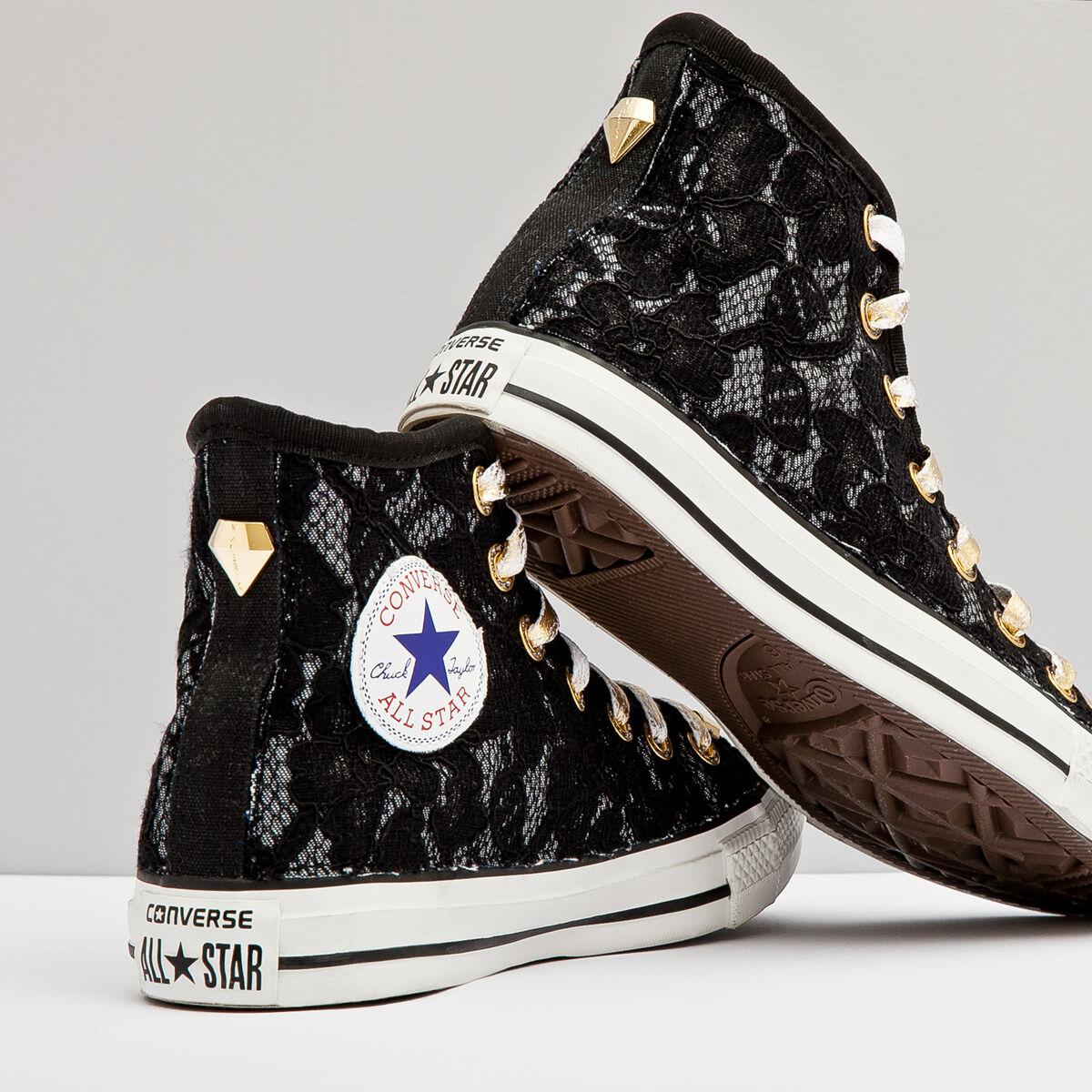 converse all star con nera personalizzata con ai lati tessuto con star pizzo nero ff2a55