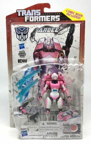 TransFormers Arcee Generations 30th Deluxe Plus IDW Comic NEW!